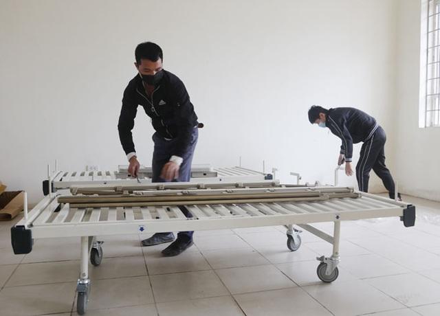 """Lắp đặt bệnh viện dã chiến 300 giường ở """"ổ dịch"""" Vĩnh Phúc - 1"""