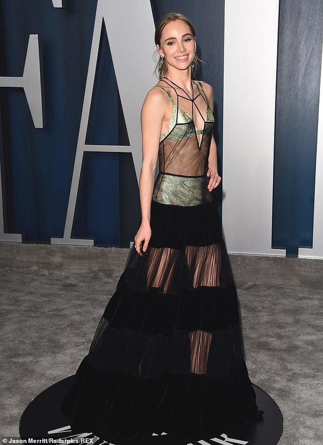 Vợ Justin Bieber khoe dáng nuột nà tại tiệc Oscar - 7