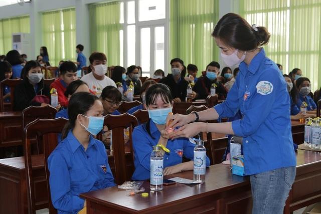 Trở lại trường, sinh viên ĐH Kiên Giang học ngay cách phòng virus Corona - 6