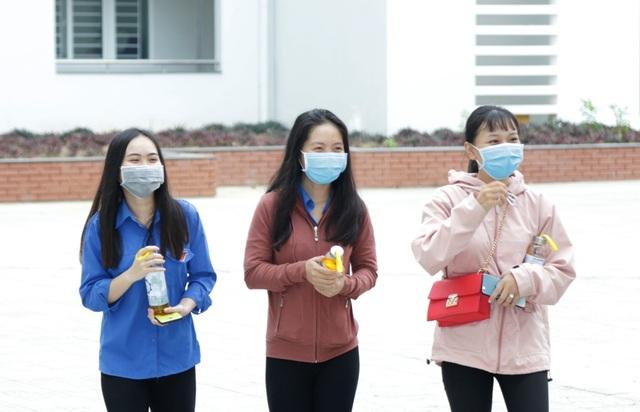 Trở lại trường, sinh viên ĐH Kiên Giang học ngay cách phòng virus Corona - 3