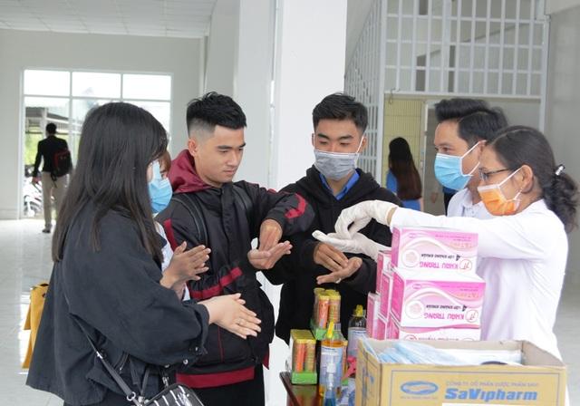 Trường ĐH đầu tiên ở miền Tây cho sinh viên nghỉ hết tháng 3 - 2