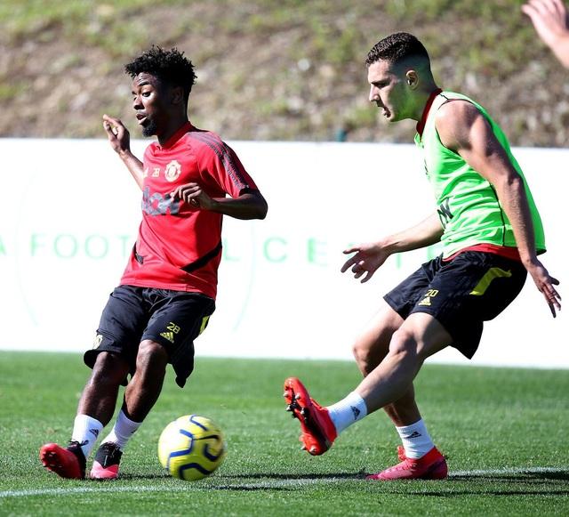 Man Utd có buổi tập đầu tiên tại Tây Ban Nha - 2