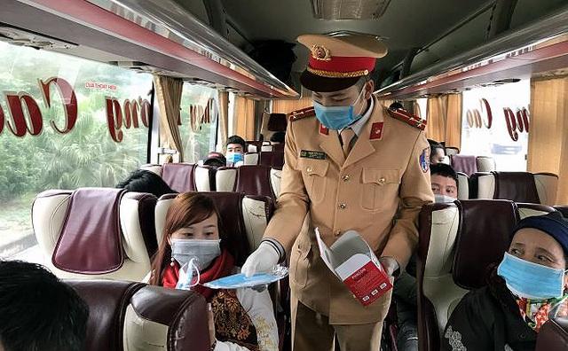 Phát hiện tài xế dương tính với ma túy trên cao tốc Nội Bài - Lào Cai - 2