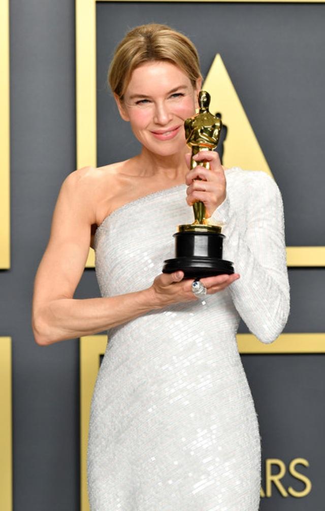 Brad Pitt rạng rỡ bên tượng vàng Oscar - 5