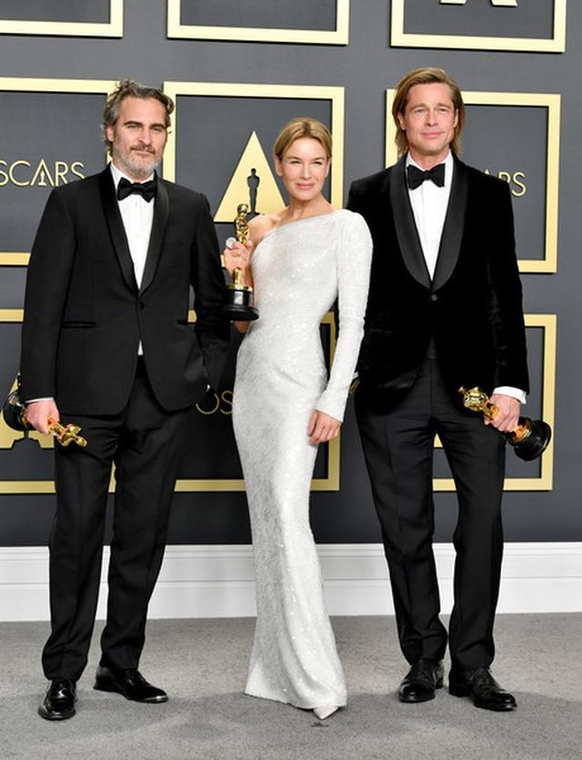 Brad Pitt rạng rỡ bên tượng vàng Oscar - 7