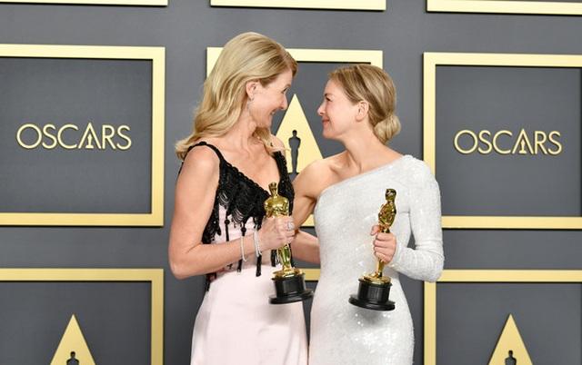 Brad Pitt rạng rỡ bên tượng vàng Oscar - 6