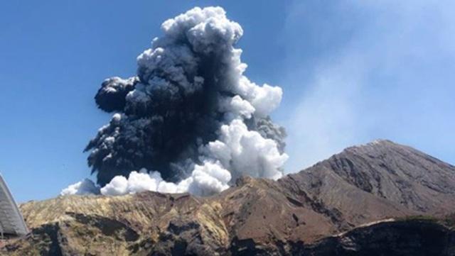 Tấm ảnh du khách Mỹ chụp trước thảm hoạ núi lửa - 2