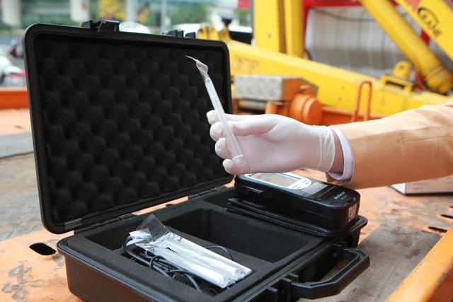 CSGT Hà Nội tiếp tục kiểm tra nồng độ cồn qua ống thổi dùng một lần - 3