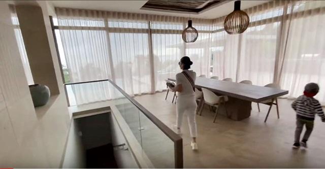 Cận cảnh biệt thự triệu đô bên bờ biển của gia đình Thu Minh - 4