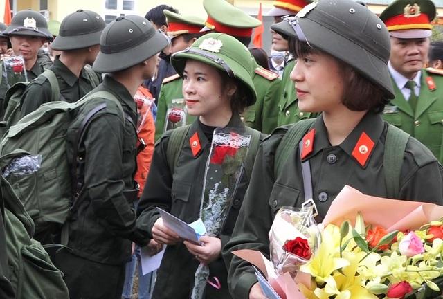 Quảng Bình: Những nữ tân binh rạng rỡ trong ngày nhập ngũ - 2
