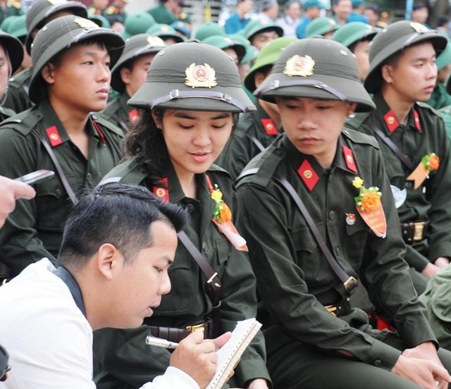 Sáng nay hàng nghìn tân binh lên đường nhập ngũ - 5