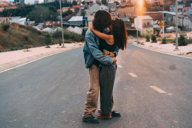 Bộ ảnh đong đầy trải nghiệm tình yêu của cặp đôi cá tính - 6