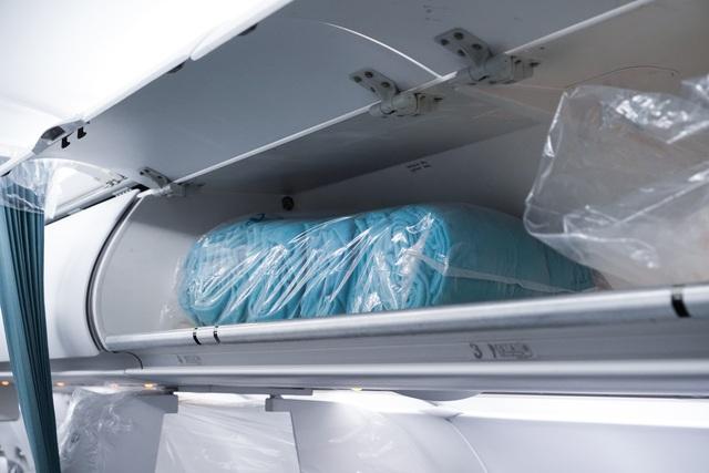 """Xem lại hình ảnh chuyến bay tới """"tâm dịch"""" Vũ Hán khủng khiếp nhất thế giới - 10"""