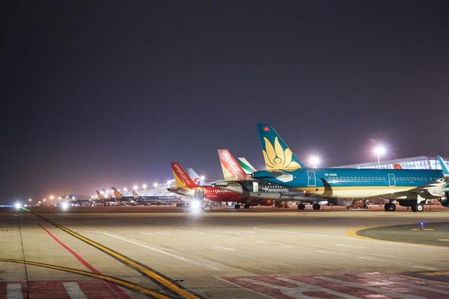 Hi hữu: Bốn hãng chia nhau khai thác 2 chuyến bay theo ngày chẵn-lẻ - 1