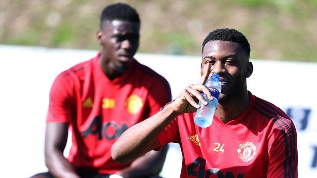 """Man Utd tiếp tục """"luyện công"""" dưới nắng ấm ở Marbella - 12"""