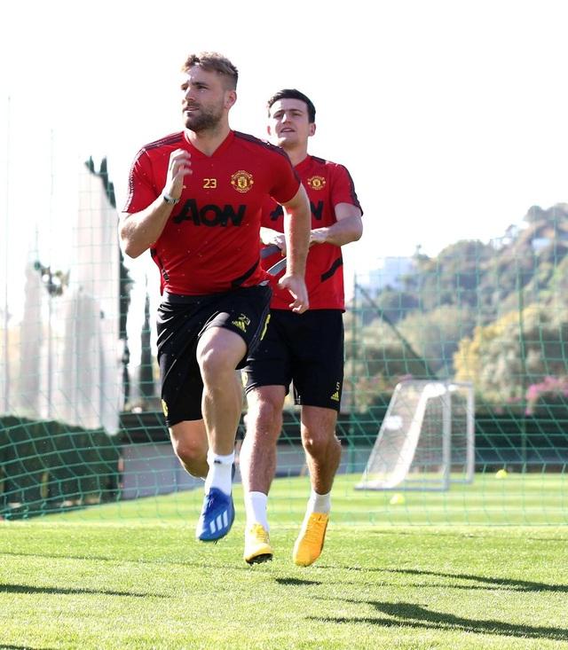 """Man Utd tiếp tục """"luyện công"""" dưới nắng ấm ở Marbella - 4"""