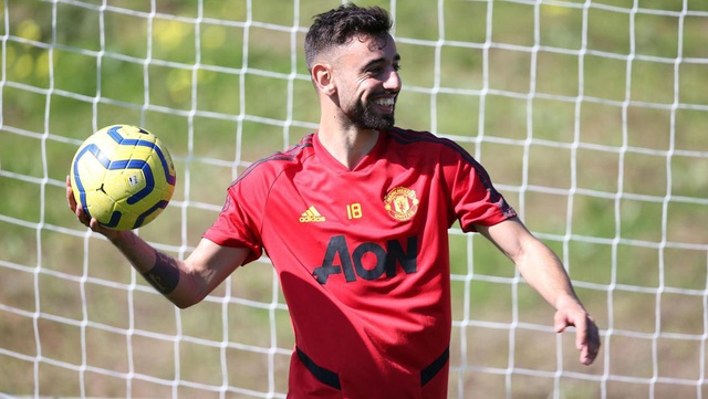 """Man Utd tiếp tục """"luyện công"""" dưới nắng ấm ở Marbella - 7"""