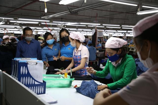 Quảng Trị: Phòng dịch corona ở nơi đông người lao động - 2