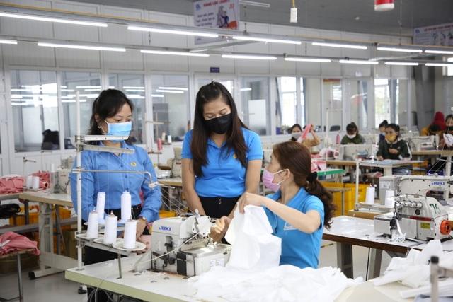 Quảng Trị: Phòng dịch corona ở nơi đông người lao động - 3