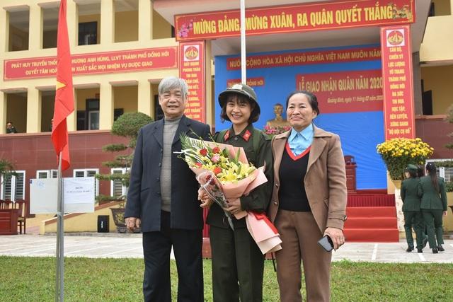 Quảng Bình: Những nữ tân binh rạng rỡ trong ngày nhập ngũ - 3