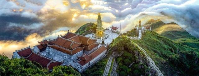 Lễ Phật cầu an, thưởng lãm bức tranh xuân tuyệt đẹp trên đỉnh Fansipan - 4