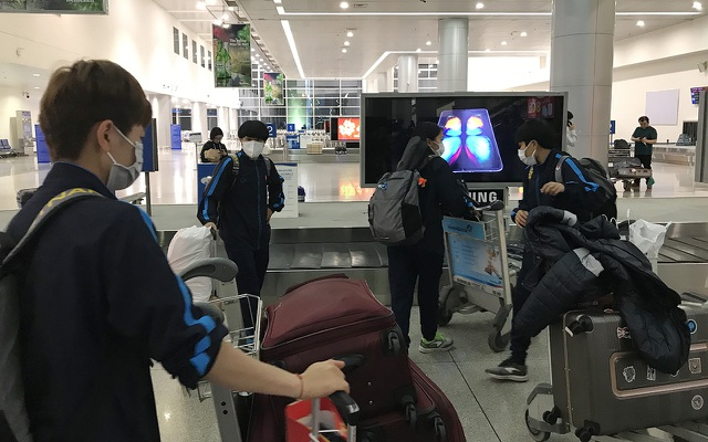 Đội tuyển nữ Việt Nam về nước sau thành công tại vòng loại Olympic - 8