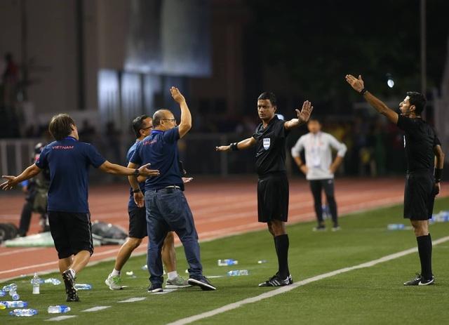 HLV Park Hang Seo bị cấm chỉ đạo 4 trận, phạt 5000 USD - 1