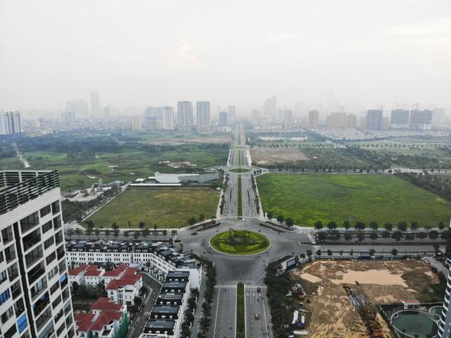 Tuyến đường huyết mạch nối 3 quận nội thành Hà Nội ngập trong rác thải - 1
