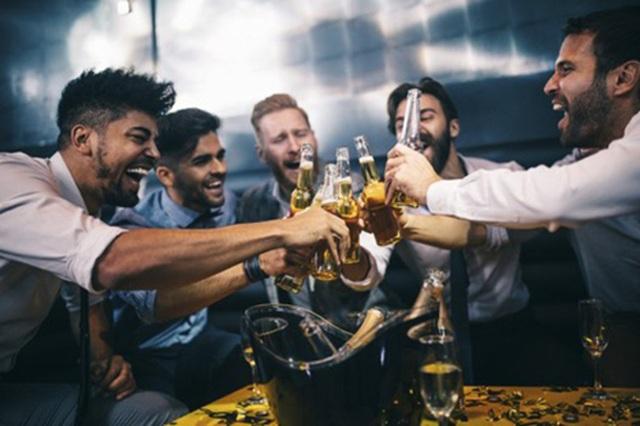 Việt Nam nằm trong top 3 nơi tổ chức tiệc độc thân được yêu thích - 1
