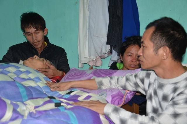 Đề nghị nâng mức trợ cấp cho gia đình người đàn ông nghèo cầu xin miếng ăn - 1