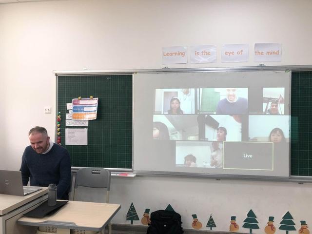 Đồng hành cùng học sinh trong đại dịch Corona, Sunshine Maple Bear tổ chức dạy trực tuyến cho học sinh tại nhà - 3