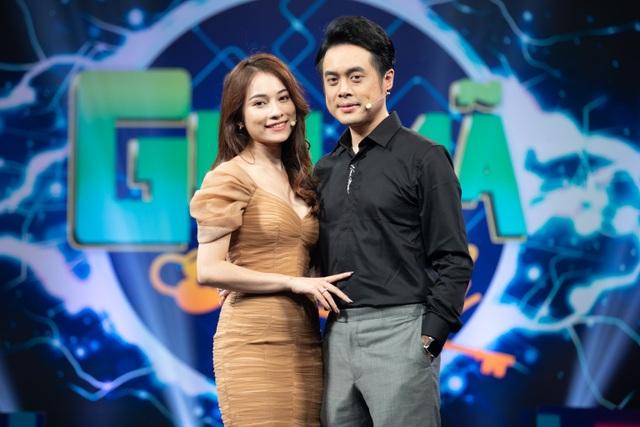 Dương Khắc Linh tiết lộ về hôn nhân với bà xã kém 13 tuổi - 1