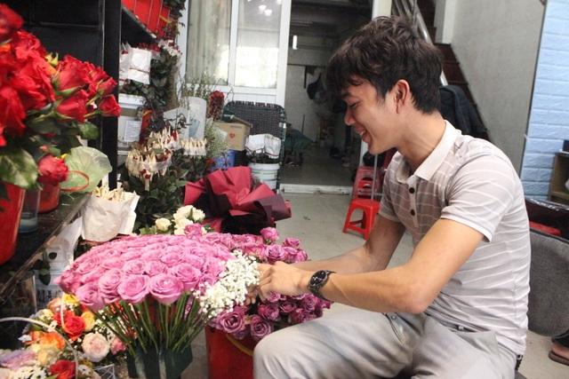 Lo sợ virus Corona, các shop hoa giảm nhập hồng ngoại - 2