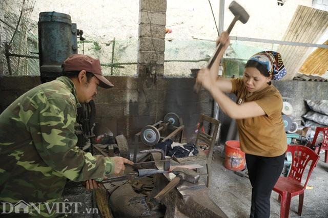 Làng nghề sản xuất dao có thể thái được thịt đóng đá ở Cao Bằng - 3