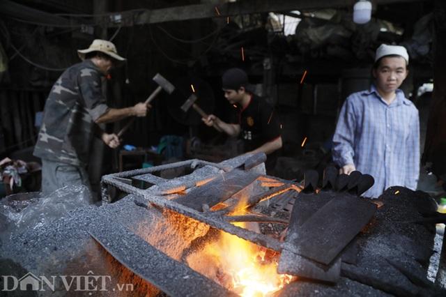 Làng nghề sản xuất dao có thể thái được thịt đóng đá ở Cao Bằng - 5