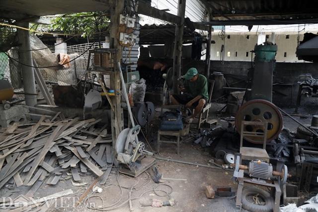 Làng nghề sản xuất dao có thể thái được thịt đóng đá ở Cao Bằng - 9