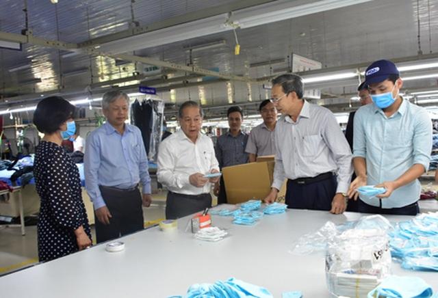 Thừa Thiên Huế cấp miễn phí khẩu trang vải kháng khuẩn cho toàn bộ HS, GV - 1