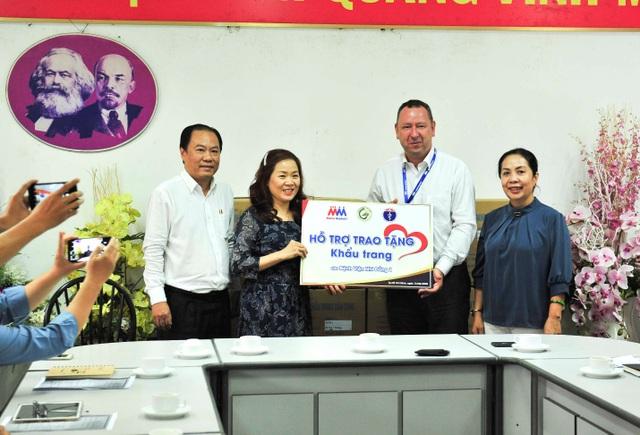 MM Mega Market Việt Nam tặng 20.000 khẩu trang cho bệnh viện Nhi đồng 1 - 1