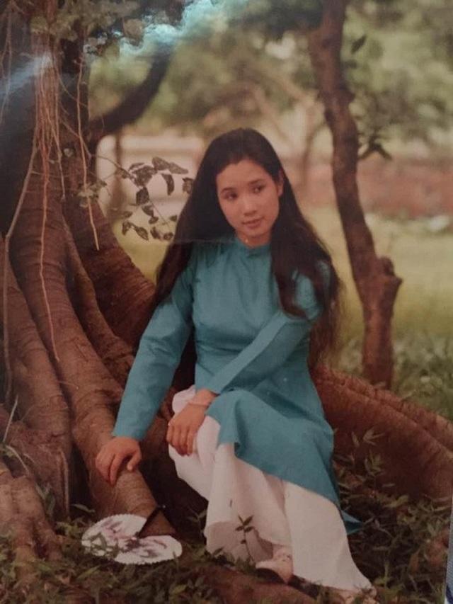Hé lộ ảnh tuổi đôi mươi xinh như mộng của nghệ sĩ Thanh Thanh Hiền - 1