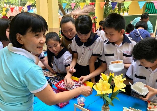 TPHCM ra chỉ đạo khẩn đón học sinh đi học vào ngày 17/2 - 1