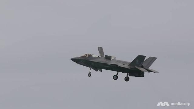 F-35B Mỹ phô diễn sức mạnh tại triển lãm hàng không Singapore - 3