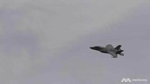 F-35B Mỹ phô diễn sức mạnh tại triển lãm hàng không Singapore - 4