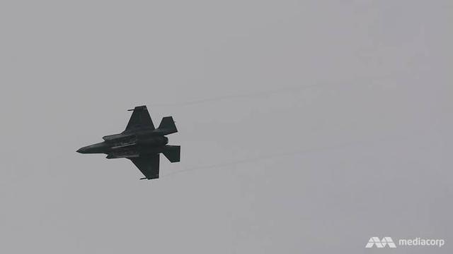 F-35B Mỹ phô diễn sức mạnh tại triển lãm hàng không Singapore - 6