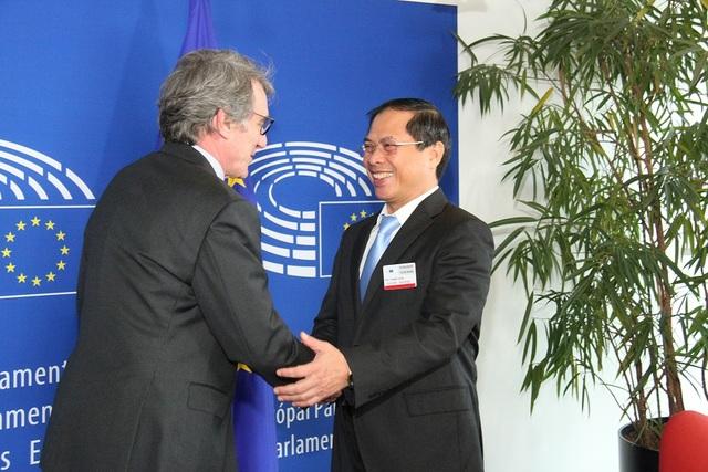 Thứ trưởng Ngoại giao Bùi Thanh Sơn làm việc tại Nghị viện châu Âu - 1