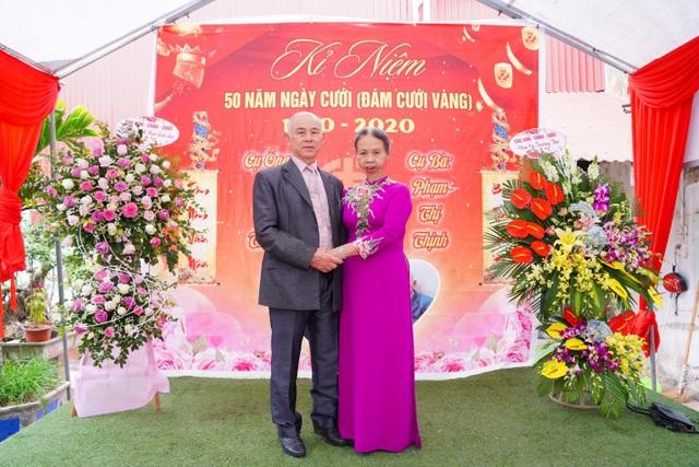 """Xúc động bộ ảnh """"đám cưới vàng"""" của cụ bà mắc bệnh ung thư ở Hà Nội - 1"""