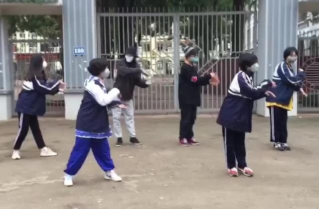Học sinh Hà Nội nhảy điệu rửa tay tuyên truyền vệ sinh phòng Covid-19 - 1