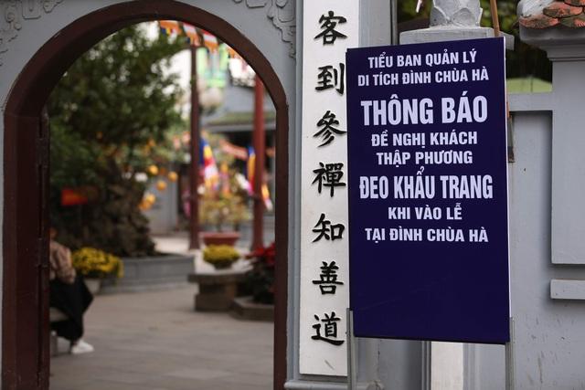 """Ngôi chùa """"chống ế"""" ở Hà Nội đông đúc nam thanh, nữ tú dịp Valentine - 13"""