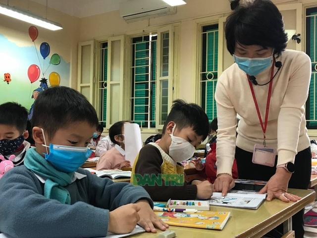 Bộ Y tế: Học sinh, giáo viên không cần đeo khẩu trang ở trường - 1