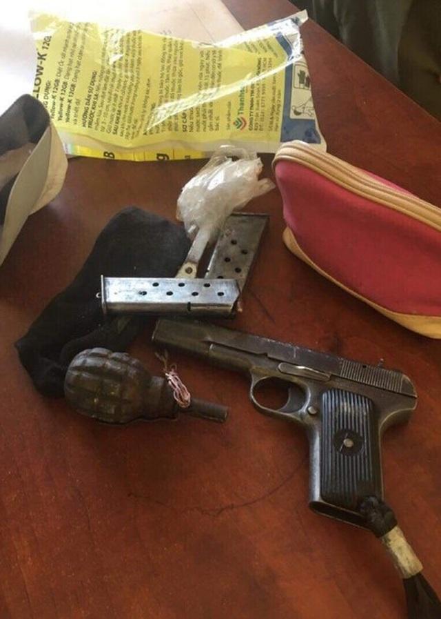 Khởi tố đối tượng dùng súng bắn trả công an khi bị truy bắt - 2