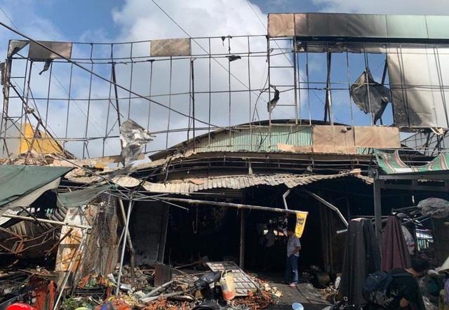 Cháy chợ ở Kiên Giang, 6 ki ốt bị thiêu rụi - 2
